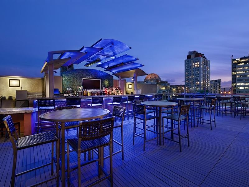 level 9 rooftop bar san diego