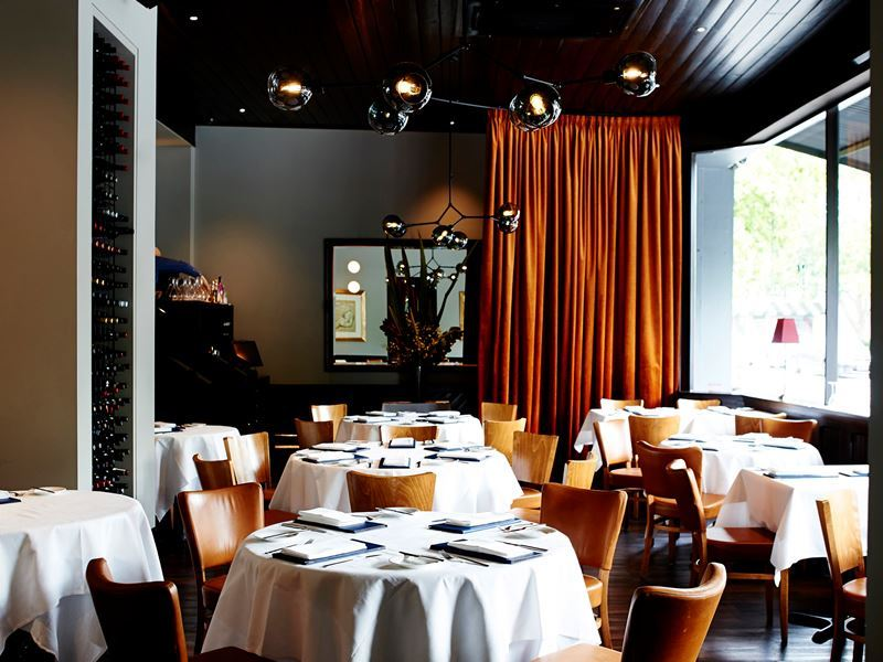 matteos main dining room melbourne