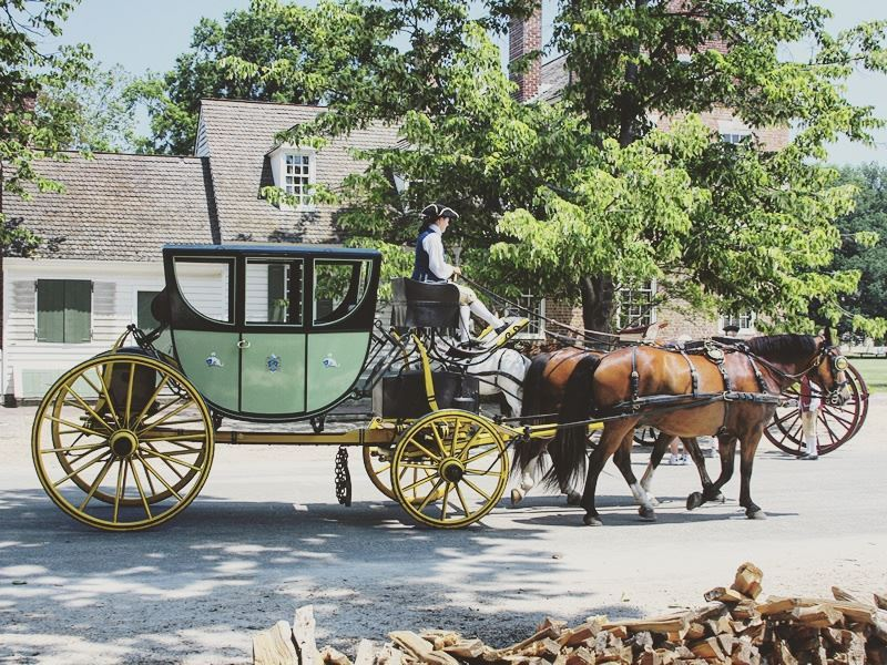 old williamsburg horse and carriage