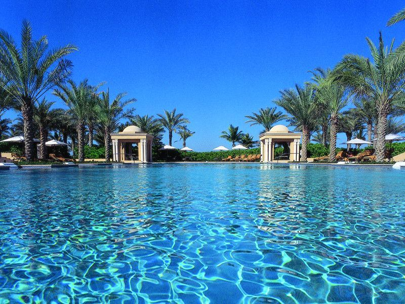 oneonly royal mirage residence  spa pool