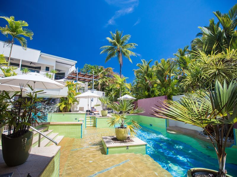 peninsula boutique hotel port douglas palms
