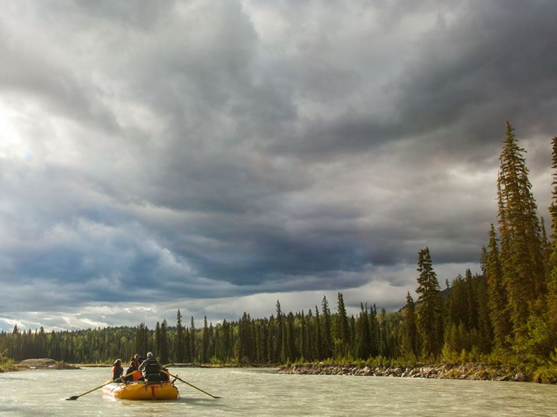 rafting blaeberry river kootenay rockies