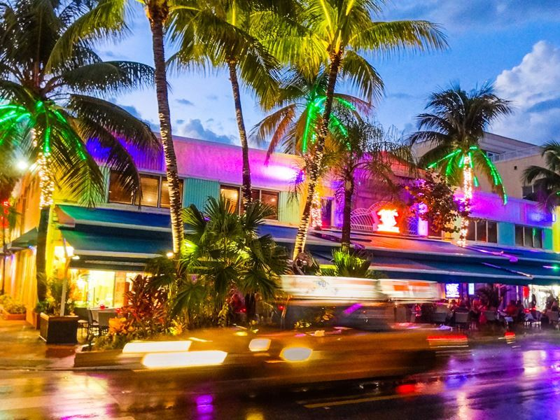 restaurants line the streets in miami