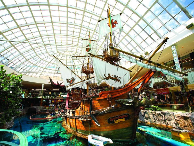 santa maria galleon at west edmonton mall