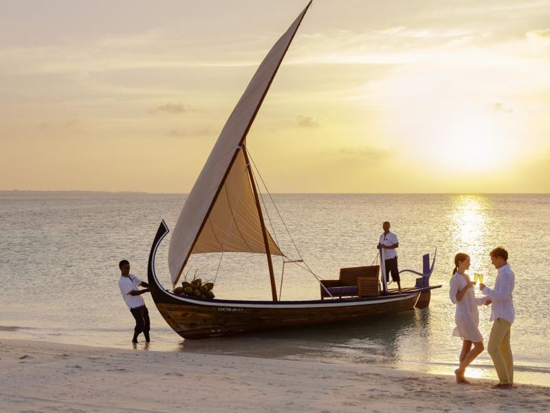 veligandu sunset cruise