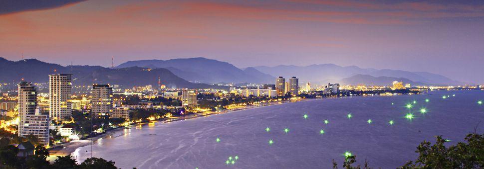 Hua Hin coastline at night